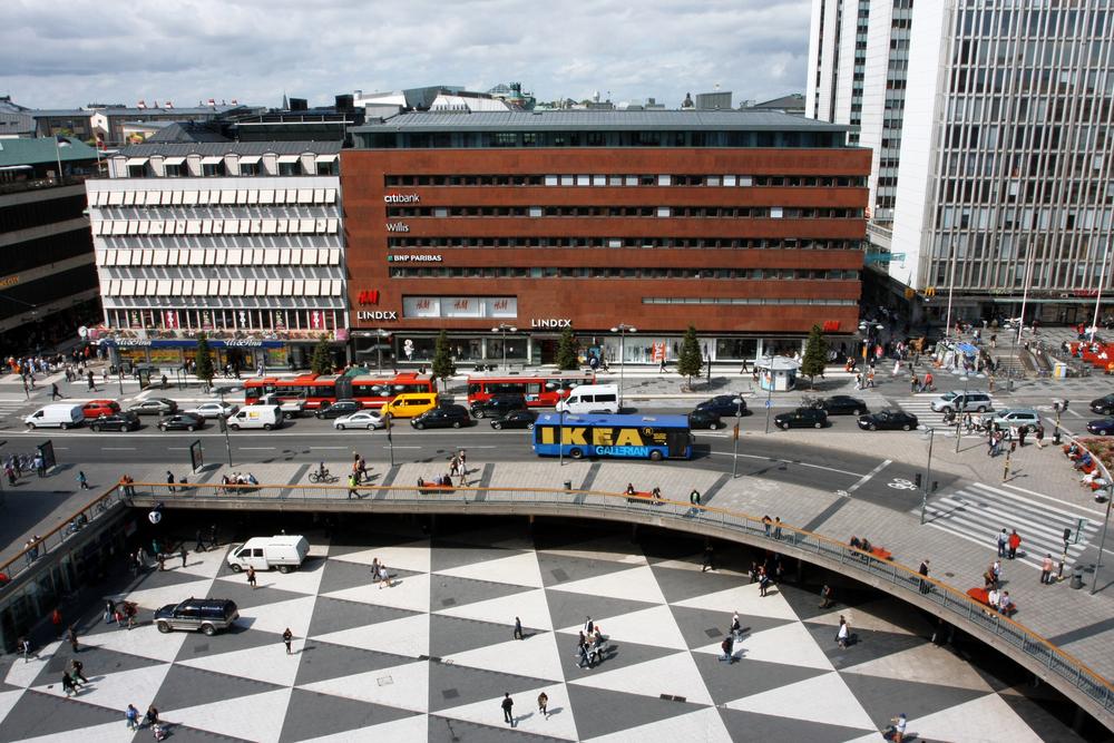 スウェーデンの「1日6時間勤務」から、伊藤忠の残業規制まで。世界で加速する、働き…