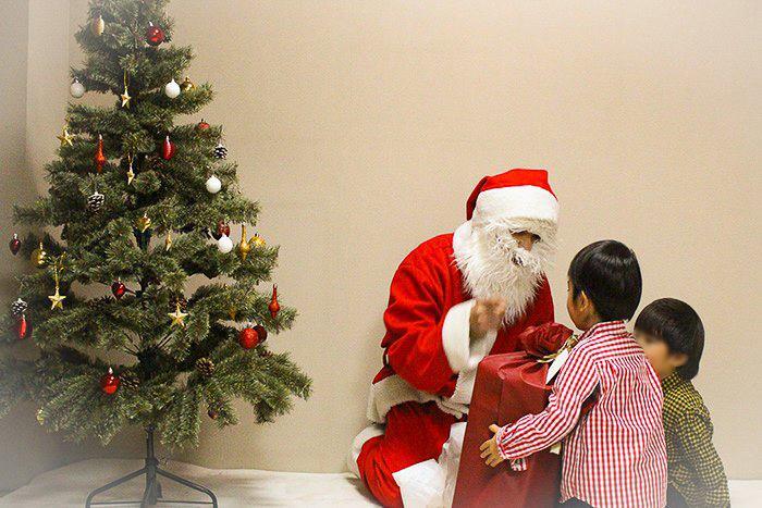 あなたにも持てる2枚目の名刺!「一人ぼっちのクリスマスを過ごすなら、サンタクロー…