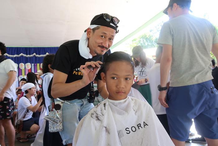 孤児が手に職をつけられる学校をー日本×フィリピンの美容師たちが「ハサミノチカラアカデミー」を設立